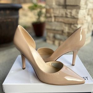 Nine West Nude glossy pointed heels